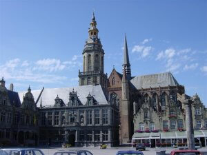 Veurne – town square and church
