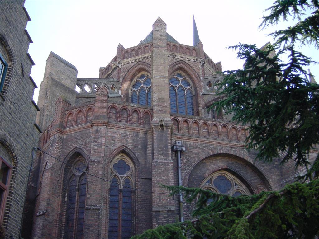 Veurne - large church front