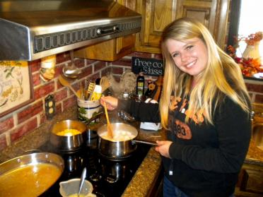 melanie-making-mashed-potatoes