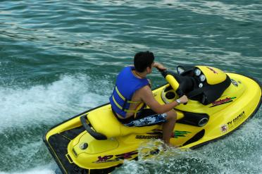 andrew-s-off-and-jetski-ing