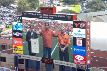 Steve McMichael inducted into the NCAA Hall of Fame