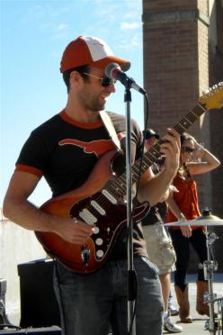 Lucas Cook performs at LN tailgate (6)